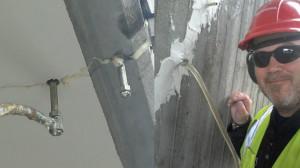 Injektering - Betongrenovering i Väst AB, vi injekterar både Epoxi och Taccs.