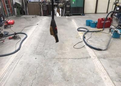 Bild 1 - Anvisningsskärning för infästning av golvräls