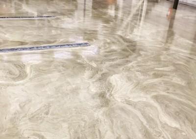 Färdigt golv med golvräls